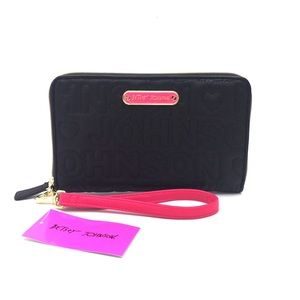 BETSEY JOHNSON Quilted Zia Wristlet Wallet